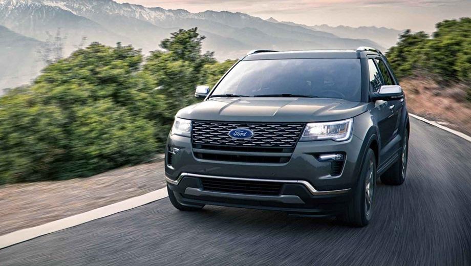 Ford Explorer. Выпускается с 2018 года. Три базовые комплектации. Цены от 2 899 000 до 3 414 000 руб.Двигатель 3.5, бензиновый. Привод полный. КПП: автоматическая.