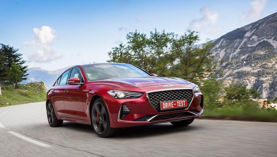 Genesis G70. Выпускается с 2017 года. Восемь базовых комплектаций. Цены от 2 199 000 до 2 979 000 руб.Двигатель 2.0, бензиновый. Привод полный. КПП: автоматическая.