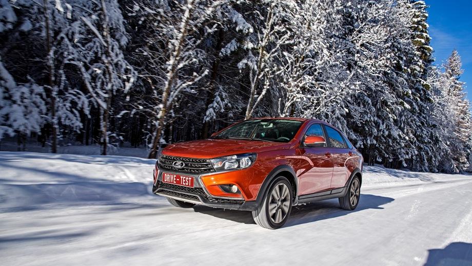 Lada Vesta Cross. Выпускается с 2018 года. Десять базовых комплектаций. Цены от 776 900 до 964 900 руб.Двигатель от 1.6 до 1.8, бензиновый. Привод передний. КПП: механическая и вариатор.