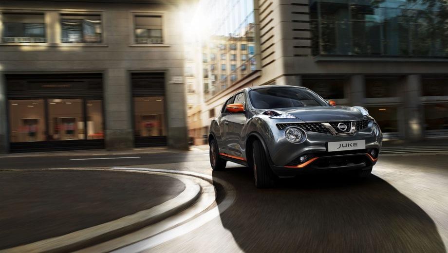 Nissan Juke. Выпускается с 2018 года. Пять базовых комплектаций. Цены от 1 200 000 до 1 415 000 руб.Двигатель 1.6, бензиновый. Привод передний. КПП: вариатор.