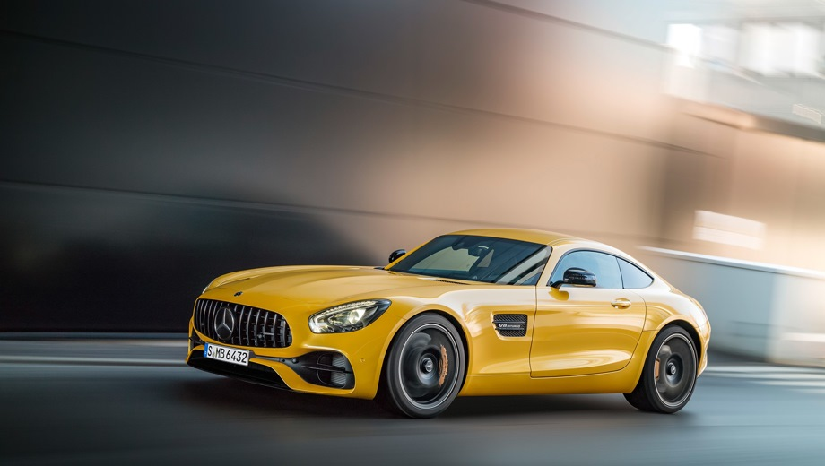 Mercedes-Benz GT AMG. Выпускается с 2017 года. Одна базовая комплектация. Цена 13 290 000 руб.Двигатель 4.0, бензиновый. Привод задний. КПП: роботизированная.