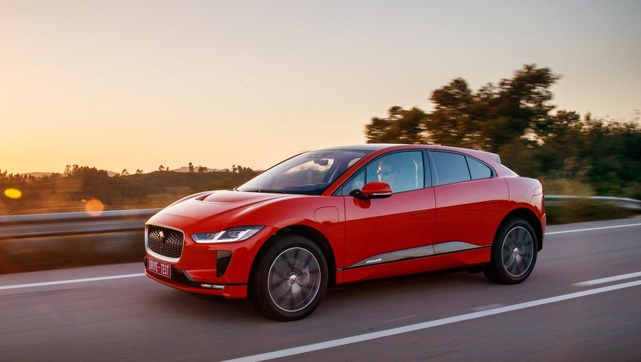 Jaguar I-Pace. Выпускается с 2018 года. Три базовые комплектации. Цены от 6 246 000 до 7 210 000 руб.Привод полный. КПП: автоматическая.