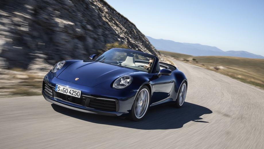Porsche 911 Carrera Cabriolet. Выпускается с 2018 года. Две базовые комплектации. Цены от 8 940 000 до 9 411 000 руб.Двигатель 3.0, бензиновый. Привод задний и полный. КПП: роботизированная.