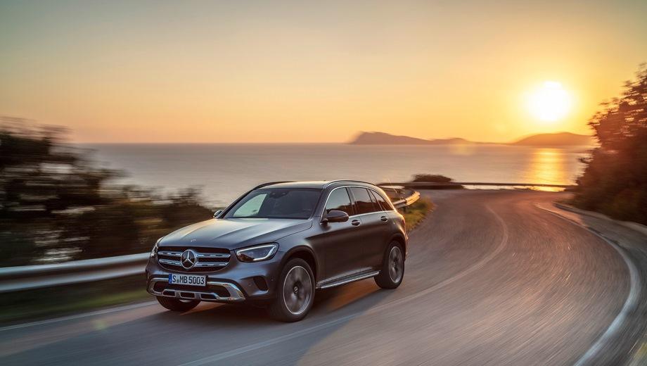 Mercedes-Benz GLC. Выпускается с 2019 года. Четыре базовые комплектации. Цены от 3 650 000 до 4 200 000 руб.Двигатель 2.0, дизельный и бензиновый. Привод полный. КПП: автоматическая.
