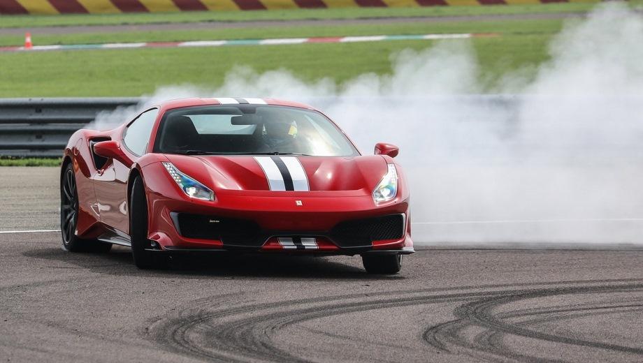 Ferrari 488 Pista. Выпускается с 2018 года. Одна базовая комплектация. Цена 23 000 000 руб.Двигатель 3.9, бензиновый. Привод задний. КПП: роботизированная.