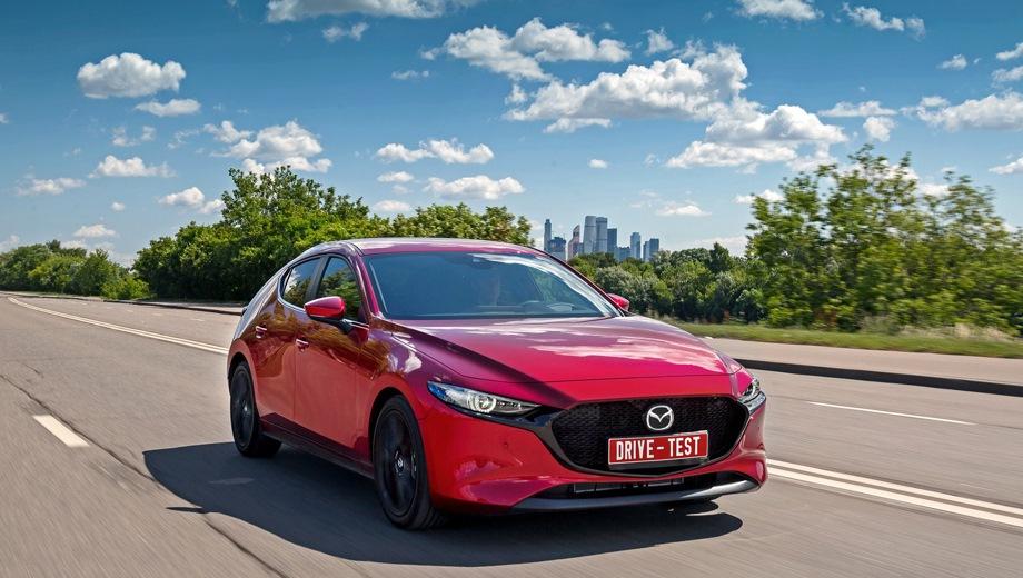 Mazda 3 Hatchback. Выпускается с 2019 года. Пять базовых комплектаций. Цены от 1 523 000 до 1 786 000 руб.Двигатель от 1.5 до 2.0, бензиновый. Привод передний. КПП: механическая и автоматическая.