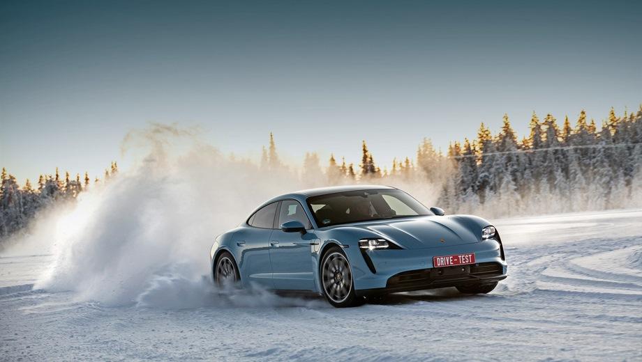 Porsche Taycan. Выпускается с 2019 года. Три базовые комплектации. Цены от 7 793 000 до 12 943 000 руб.Привод полный. КПП: автоматическая.
