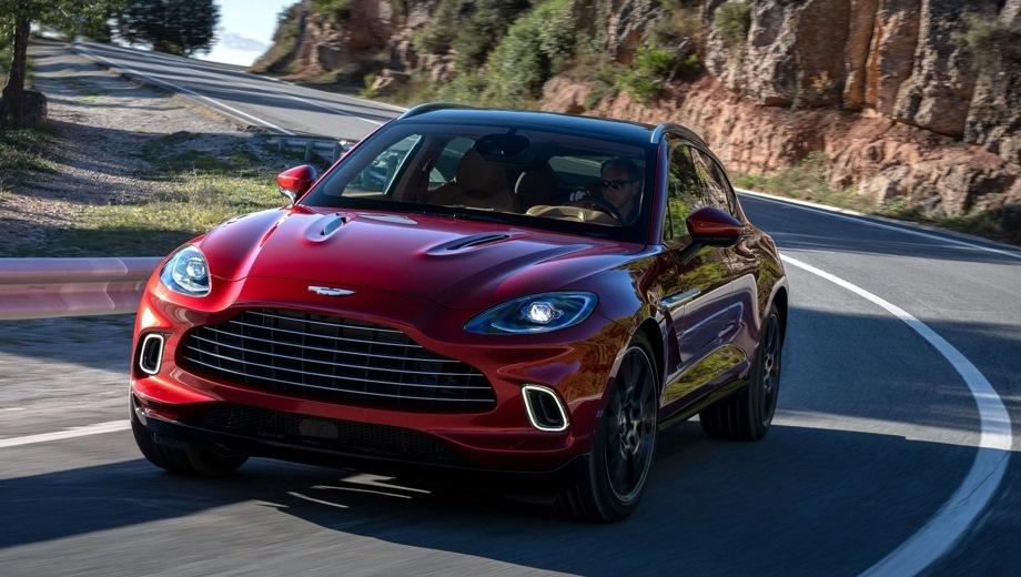 Aston Martin DBX. Выпускается с 2019 года. Одна базовая комплектация. Цена 18 245 000 руб.Двигатель 4.0, бензиновый. Привод полный. КПП: автоматическая.