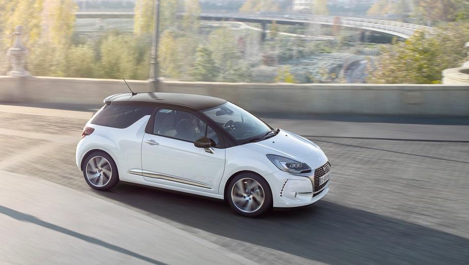 DS 3. Выпускается с 2015 года. Три базовые комплектации. Цены от 1 255 000 до 1 405 000 руб.Двигатель 1.2, бензиновый. Привод передний. КПП: автоматическая.
