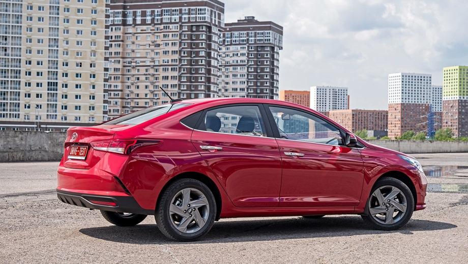 Hyundai Solaris. Выпускается с 2020 года. Двенадцать базовых комплектаций. Цены от 775 000 до 1 206 000 руб.Двигатель от 1.4 до 1.6, бензиновый. Привод передний. КПП: механическая и автоматическая.