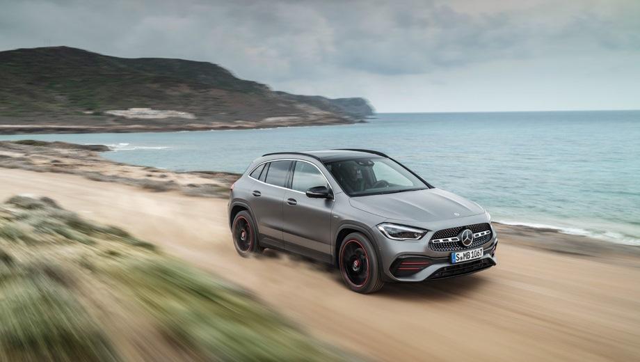 Mercedes-Benz GLA. Выпускается с 2019 года. Три базовые комплектации. Цены от 2 790 000 до 3 470 000 руб.Двигатель от 1.3 до 2.0, бензиновый. Привод передний и полный. КПП: роботизированная.