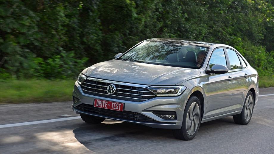Volkswagen Jetta. Выпускается с 2018 года. Шесть базовых комплектаций. Цены от 1 485 000 до 1 860 000 руб.Двигатель от 1.4 до 1.6, бензиновый. Привод передний. КПП: механическая и автоматическая.