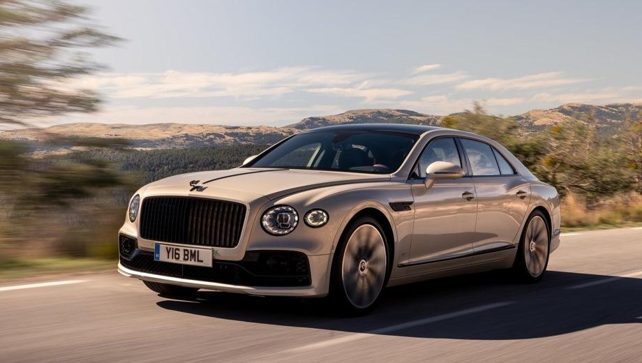 Bentley Flying Spur. Выпускается с 2019 года. Одна базовая комплектация. Цена 15 804 000 руб.Двигатель 6.0, бензиновый. Привод полный. КПП: роботизированная.