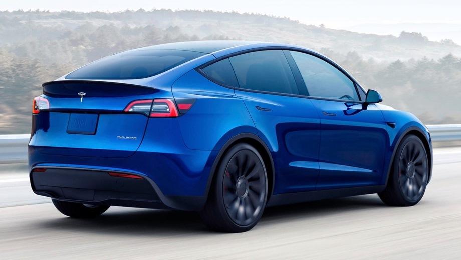 Tesla Model Y. Выпускается с 2020 года. Четыре базовые комплектации. Цены от 3 120 000 до 6 450 000 руб.Привод задний и полный. КПП: автоматическая.