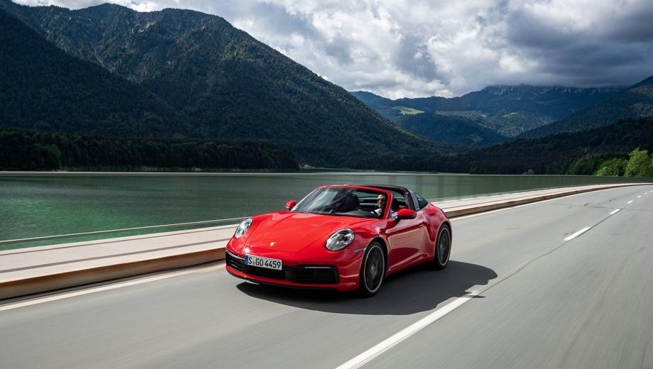 Porsche 911 Carrera Targa. Выпускается с 2020 года. Три базовые комплектации. Цены от 8 890 000 до 12 473 000 руб.Двигатель 3.0, бензиновый. Привод полный. КПП: роботизированная.