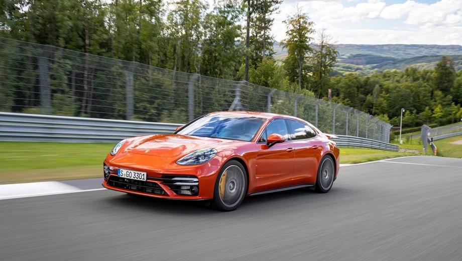 Porsche Panamera. Выпускается с 2020 года. Четырнадцать базовых комплектаций. Цены от 7 220 000 до 15 230 000 руб.Двигатель от 2.9 до 4.0, бензиновый и гибридный. Привод задний и полный. КПП: роботизированная.
