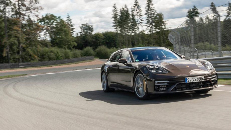 Porsche Panamera Sport Turismo. Выпускается с 2020 года. Семь базовых комплектаций. Цены от 8 370 000 до 15 430 000 руб.Двигатель от 2.9 до 4.0, бензиновый и гибридный. Привод полный. КПП: роботизированная.