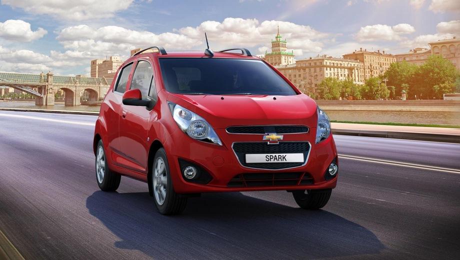Chevrolet Spark. Выпускается с 2020 года. Три базовые комплектации. Цены от 759 900 до 859 900 руб.Двигатель 1.2, бензиновый. Привод передний. КПП: автоматическая.