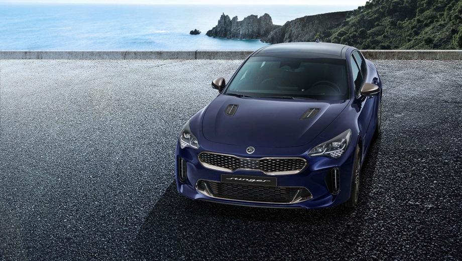 KIA Stinger. Выпускается с 2020 года. Шесть базовых комплектаций. Цены от 2 409 900 до 3 799 900 руб.Двигатель от 2.0 до 3.3, бензиновый. Привод задний и полный. КПП: автоматическая.
