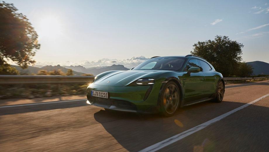 Porsche Taycan Cross Turismo. Выпускается с 2019 года. Четыре базовые комплектации. Цены от 7 790 000 до 13 160 000 руб.Привод полный. КПП: автоматическая.