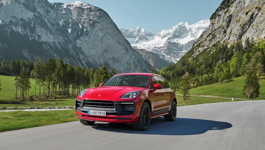 Porsche Macan. Выпускается с 2021 года. Три базовые комплектации. Цены от 5 390 000 до 7 490 000 руб.Двигатель от 2.0 до 2.9, бензиновый. Привод полный. КПП: роботизированная.
