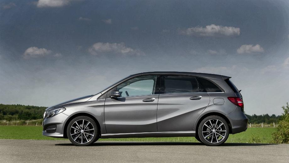 Mercedes-Benz B. Выпускается с 2012 года. Одна базовая комплектация. Цена 1 730 000 руб.Двигатель 1.6, бензиновый. Привод передний. КПП: роботизированная.