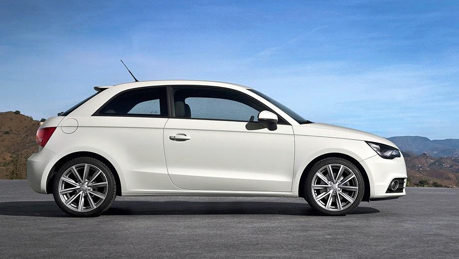 Audi A1. Выпускается с 2010 года. Четыре базовые комплектации. Цены от 888 000 до 1 035 000 руб.Двигатель 1.4, бензиновый. Привод передний. КПП: механическая и роботизированная.