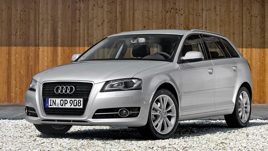 Audi A3 Sportback (2004). Выпускается с 2004 года. Пятнадцать базовых комплектаций. Цены от 904 800 до 1 487 300 руб.Двигатель от 1.2 до 2.0, бензиновый. Привод передний и полный. КПП: роботизированная и механическая.