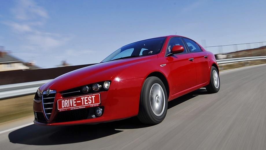 Alfa Romeo 159. Выпускается с 2005 года. Две базовые комплектации. Цены от 1 095 000 до 1 390 000 руб.Двигатель от 1.8 до 2.2, бензиновый. Привод передний. КПП: механическая и роботизированная.