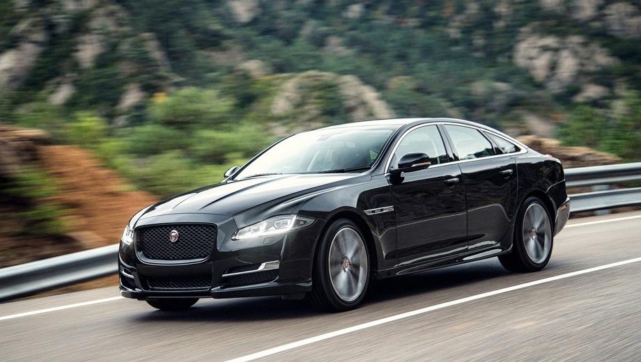 Jaguar XJ. Выпускается с 2009 года. Четырнадцать базовых комплектаций. Цены от 6 590 000 до 10 689 000 руб.Двигатель от 3.0 до 5.0, бензиновый и дизельный. Привод полный и задний. КПП: автоматическая.