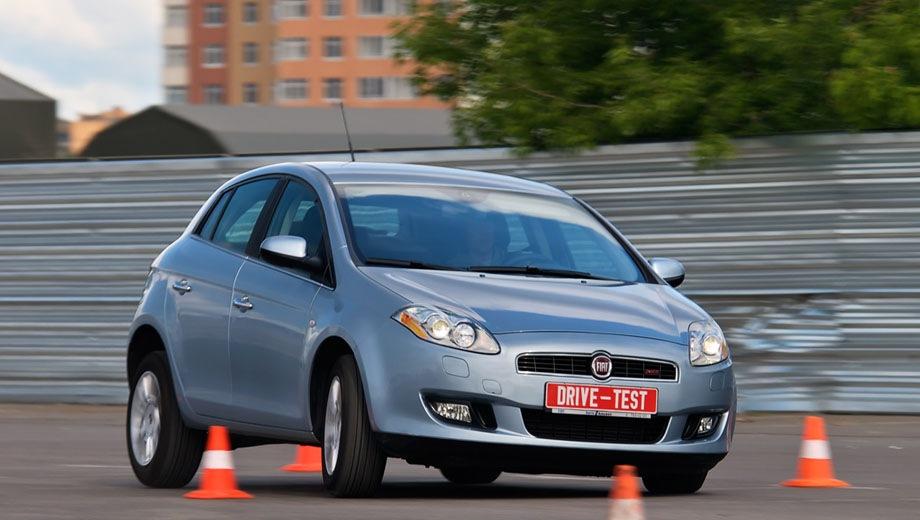 FIAT Bravo. Выпускается с 2007 года. Пять базовых комплектаций. Цены от 585 000 до 650 000 руб.Двигатель 1.4, бензиновый. Привод передний. КПП: механическая и роботизированная.