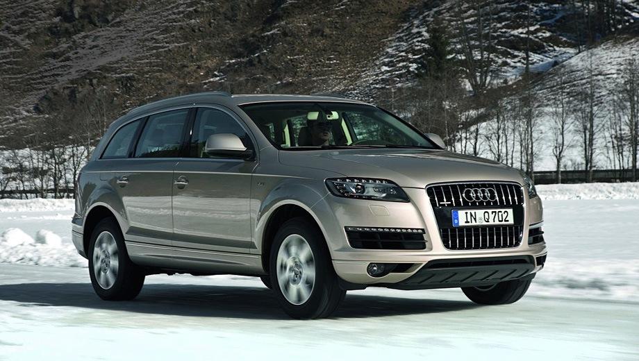 Audi Q7 (2006). Выпускается с 2006 года. Четыре базовые комплектации. Цены от 3 296 000 до 4 552 000 руб.Двигатель от 3.0 до 4.1, бензиновый и дизельный. Привод полный. КПП: автоматическая.