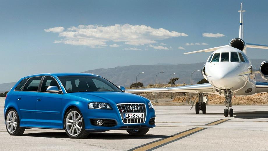 Audi S3 Sportback (2008). Выпускается с 2008 года. Две базовые комплектации. Цены от 1 720 874 до 1 791 874 руб.Двигатель 2.0, бензиновый. Привод полный. КПП: механическая и роботизированная.
