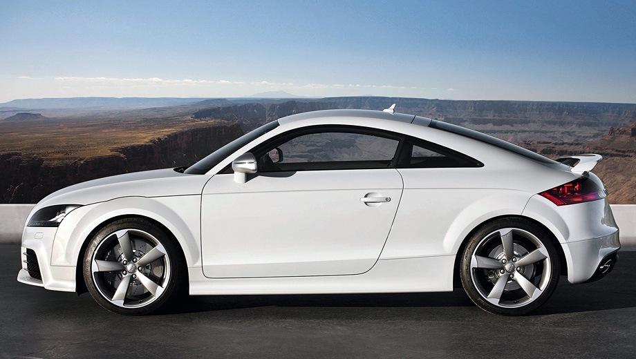 Audi TT RS Coupe (2009). Выпускается с 2009 года. Две базовые комплектации. Цены от 2 815 000 до 2 885 000 руб.Двигатель 2.5, бензиновый. Привод полный. КПП: механическая и роботизированная.