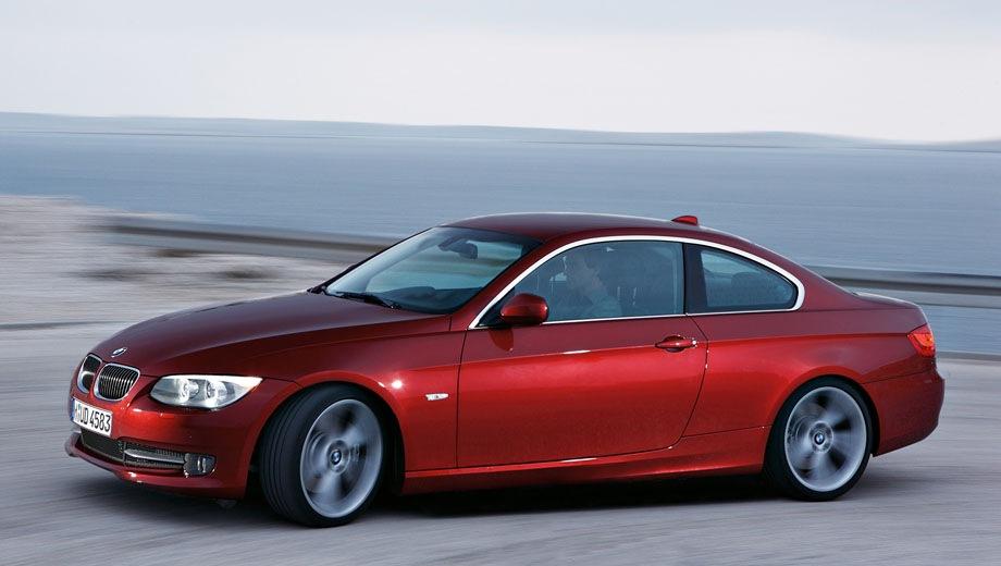 BMW 3 Series Coupe. Выпускается с 2006 года. Четырнадцать базовых комплектаций. Цены от 1 523 000 до 2 606 000 руб.Двигатель от 2.0 до 3.0, бензиновый и дизельный. Привод задний и полный. КПП: механическая и автоматическая.