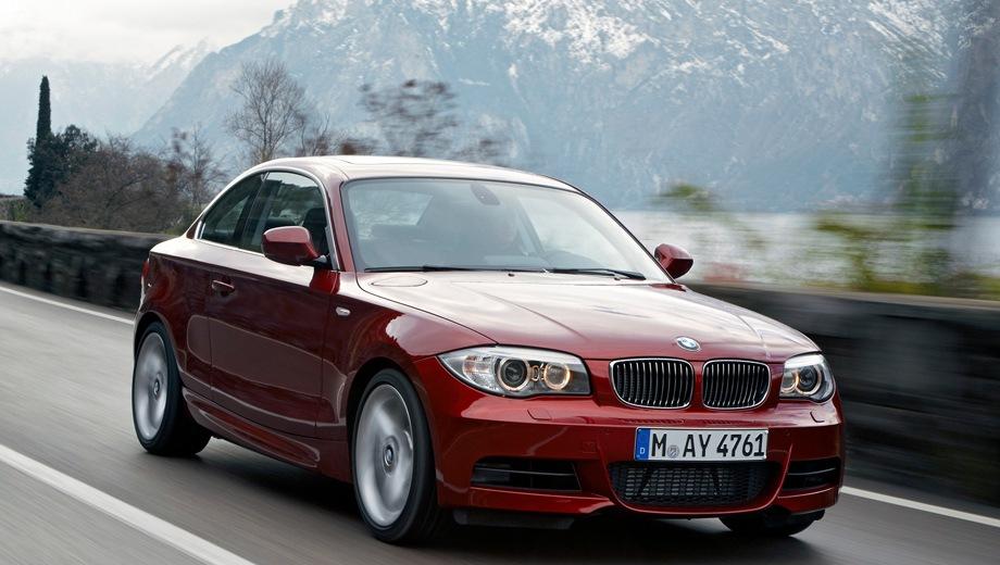 BMW 1 Series Coupe. Выпускается с 2007 года. Пять базовых комплектаций. Цены от 1 104 000 до 1 668 000 руб.Двигатель от 2.0 до 3.0, бензиновый и дизельный. Привод задний. КПП: механическая.