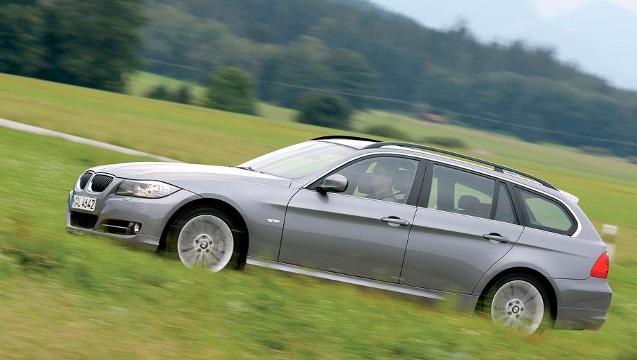 BMW 3 Series Touring (2005). Выпускается с 2005 года. Семь базовых комплектаций. Цены от 1 437 000 до 2 391 000 руб.Двигатель от 2.0 до 3.0, бензиновый и дизельный. Привод задний и полный. КПП: механическая и автоматическая.