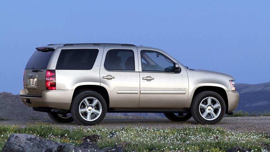 Chevrolet Tahoe (2007). Выпускается с 2007 года. Одна базовая комплектация. Цена 3 100 000 руб.Двигатель 5.3, бензиновый. Привод полный. КПП: автоматическая.