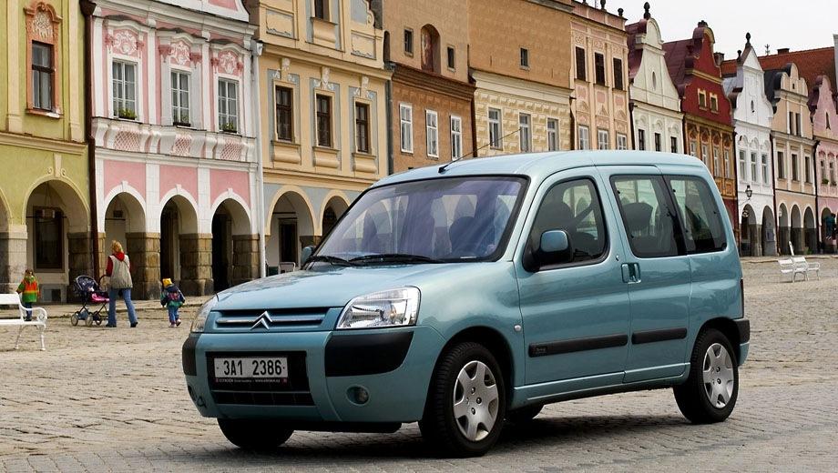 Citroen Berlingo First VP. Выпускается с 1996 года. Одна базовая комплектация. Цена 499 000 руб.Двигатель 1.4, бензиновый. Привод передний. КПП: механическая.