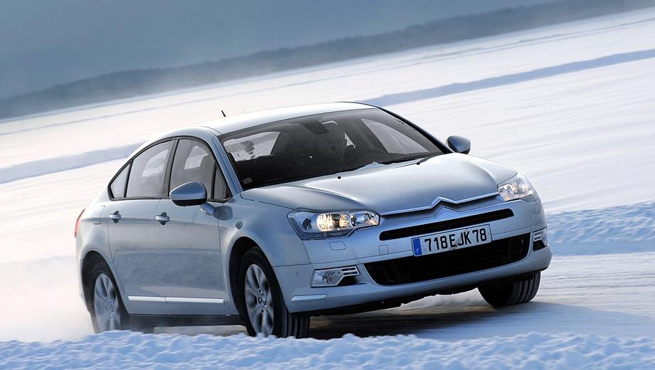 Citroen C5 Sedan. Выпускается с 2008 года. Две базовые комплектации. Цены от 1 473 000 до 1 637 000 руб.Двигатель 1.6, бензиновый. Привод передний. КПП: роботизированная и автоматическая.