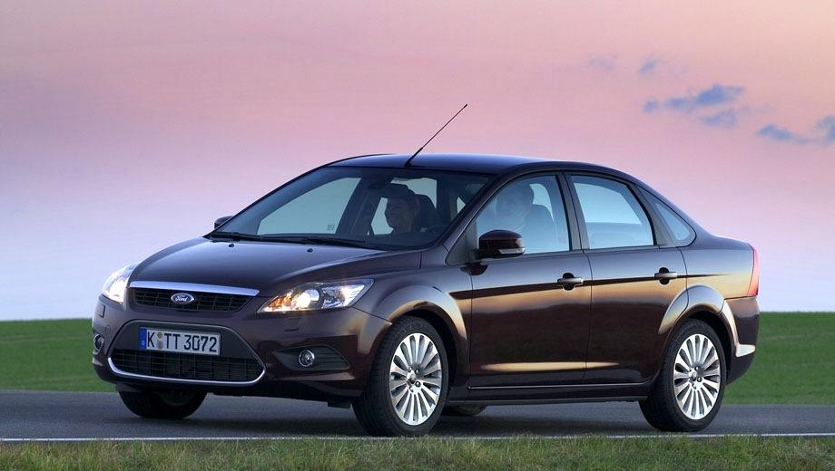 Ford Focus Sedan (2004). Выпускается с 2004 года. Четырнадцать базовых комплектаций. Цены от 587 000 до 748 000 руб.Двигатель от 1.4 до 2.0, бензиновый и дизельный. Привод передний. КПП: механическая и автоматическая.