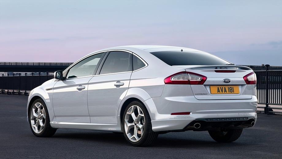 Ford Mondeo Hatchback. Выпускается с 2007 года. Девять базовых комплектаций. Цены от 997 500 до 1 442 500 руб.Двигатель от 2.0 до 2.3, бензиновый и дизельный. Привод передний. КПП: механическая, автоматическая и роботизированная.