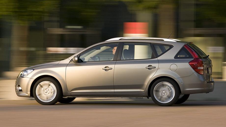 KIA Cee'd SW (2007). Выпускается с 2007 года. Пять базовых комплектаций. Цены от 709 900 до 799 900 руб.Двигатель 1.6, бензиновый. Привод передний. КПП: механическая и автоматическая.