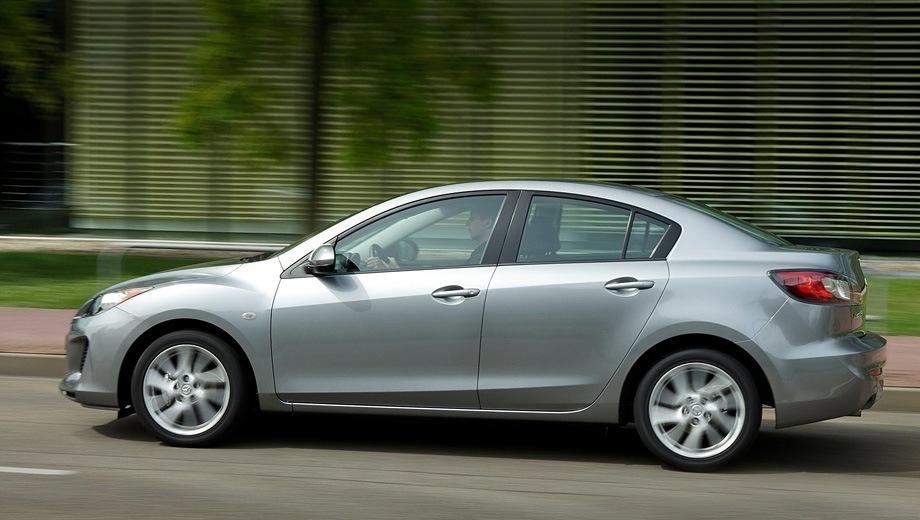 Mazda 3 Sedan (2009). Выпускается с 2009 года. Семь базовых комплектаций. Цены от 654 000 до 907 000 руб.Двигатель от 1.6 до 2.0, бензиновый. Привод передний. КПП: механическая и автоматическая.
