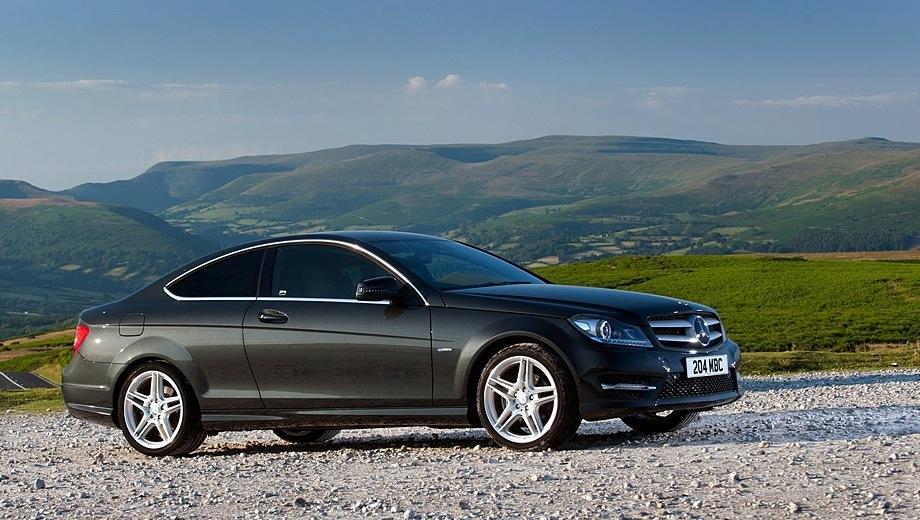 Mercedes-Benz C Coupe (2011). Выпускается с 2011 года. Три базовые комплектации. Цены от 2 130 000 до 3 150 000 руб.Двигатель от 1.6 до 3.5, бензиновый. Привод задний. КПП: автоматическая.