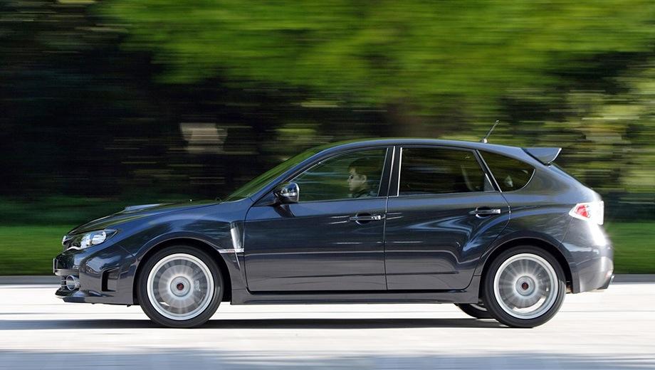 Subaru WRX STI Hatchback. Выпускается с 2007 года. Четыре базовые комплектации. Цены от 2 118 200 до 2 244 500 руб.Двигатель 2.5, бензиновый. Привод полный. КПП: автоматическая и механическая.
