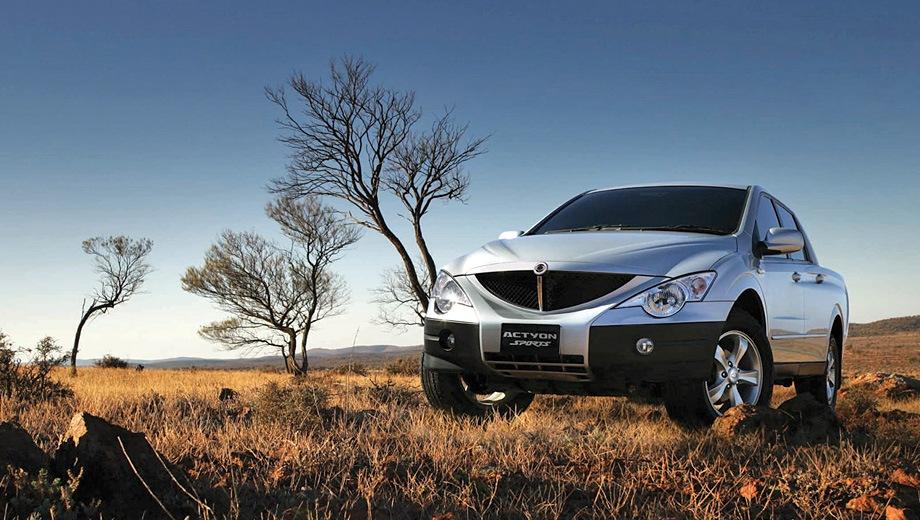 SsangYong Actyon Sports (2006). Выпускается с 2006 года. Пять базовых комплектаций. Цены от 649 000 до 889 000 руб.Двигатель 2.0, дизельный. Привод полный. КПП: механическая и автоматическая.