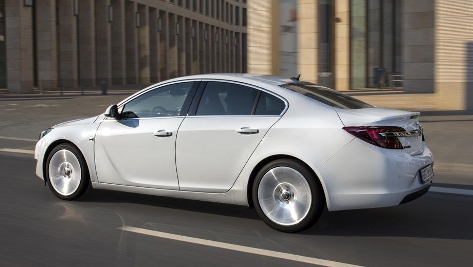 Opel Insignia Sedan. Выпускается с 2008 года. Одиннадцать базовых комплектаций. Марка официально не представлена на российском рынке.Двигатель от 1.6 до 2.0, бензиновый и дизельный. Привод передний и полный. КПП: механическая и автоматическая.