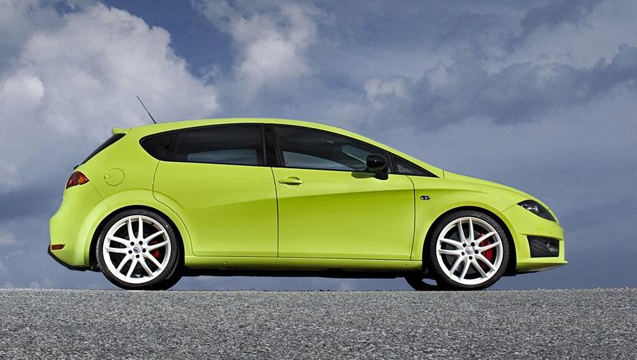 SEAT Leon Cupra R. Выпускается с 2009 года. Одна базовая комплектация. Марка официально не представлена на российском рынке.Двигатель 2.0, бензиновый. Привод передний. КПП: механическая.