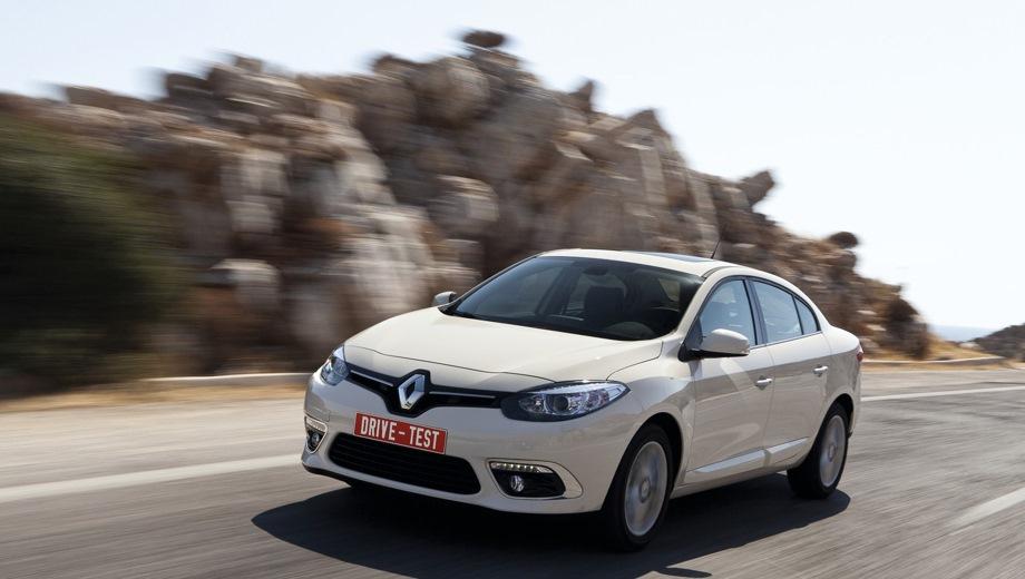 Renault Fluence. Выпускается с 2009 года. Две базовые комплектации. Цены от 1 055 990 до 1 100 990 руб.Двигатель 1.6, бензиновый. Привод передний. КПП: механическая и вариатор.